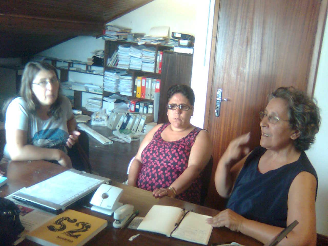 Anúncio Feito Para As Mulheres Da Reunião Do Matosinhos-33776