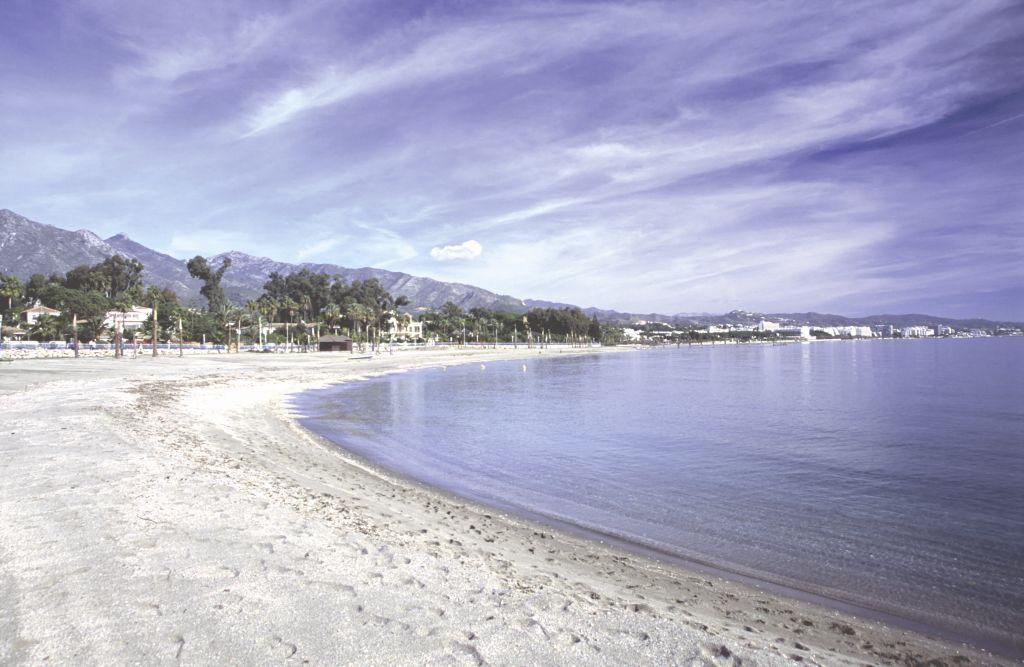 Anúncios No Hotel  Gna Marbella-66564