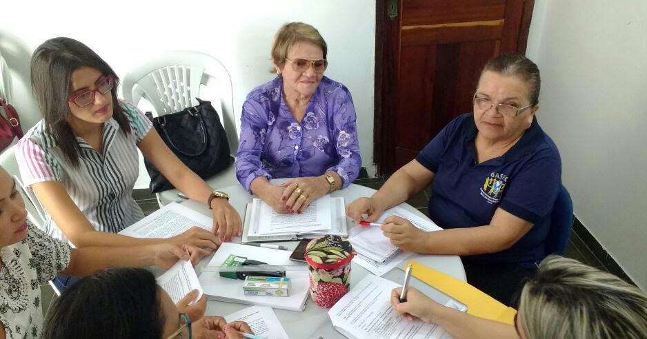 As Mulheres Da Reunião De Pádua-81292