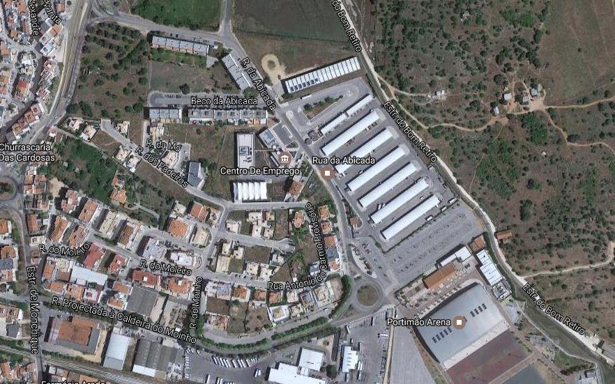 Casal Procura Terceiro Em Portimão-8024