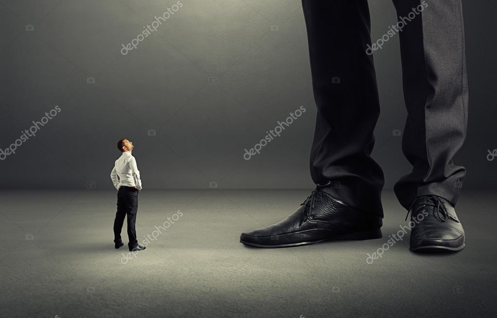 Dá Olhando Para O Homem De São Gonçalo-78369