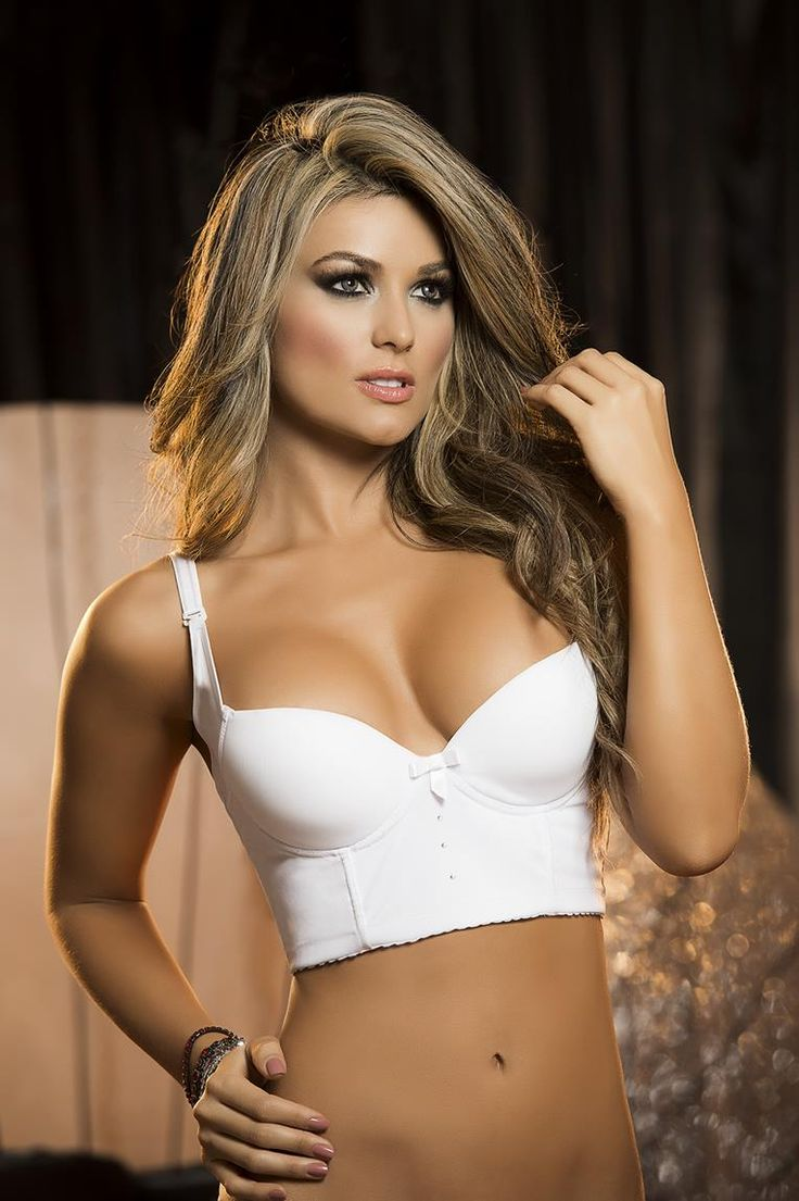 Mulheres Em Bikini No Cordoba-2182
