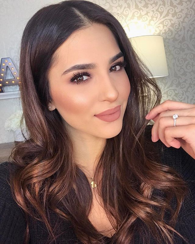 Mulheres No Fio No Sterling Heights-91031